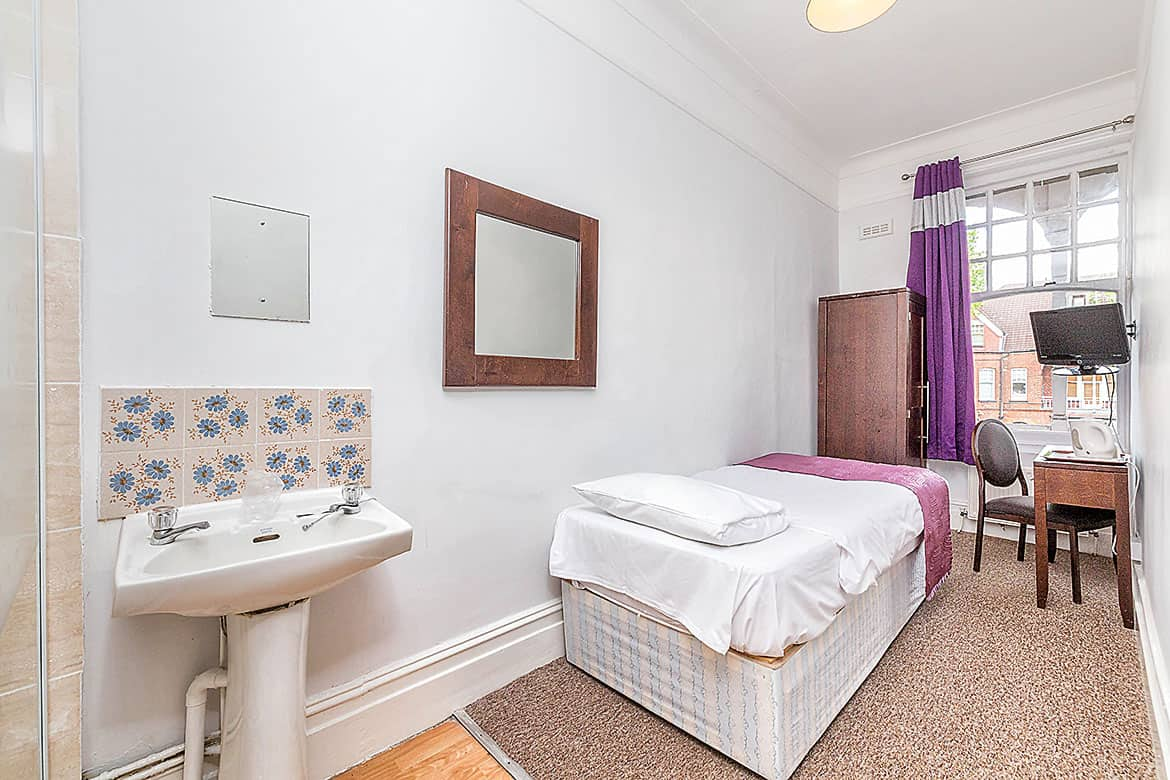 Single room with shower shared WC